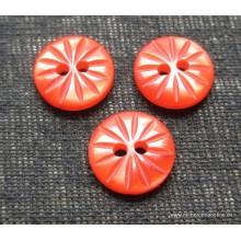 Botón rojo, dibujo rayado,...