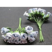 Pomo flor de color azul...