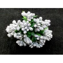 Ramillete de flores plateadas