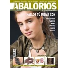 Revista crea con abalorios...