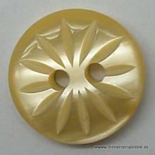 Botón beige dibujo de flor,...